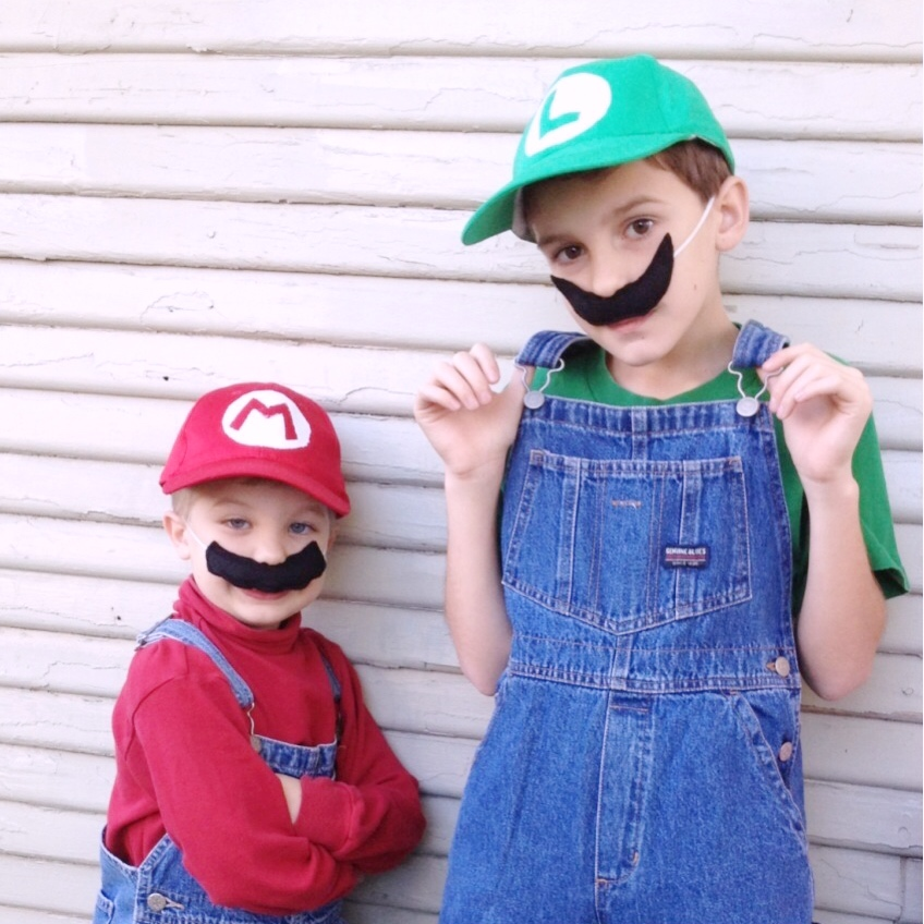 kids-mario-costume-diy