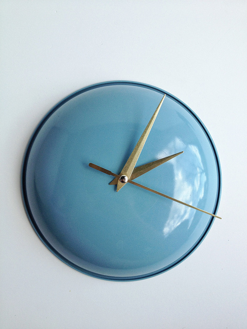 creative-reuse-ideas-thrifted-clock