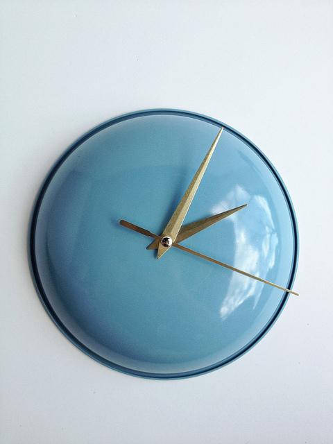 creative-reuse-ideas-thrifted-clock