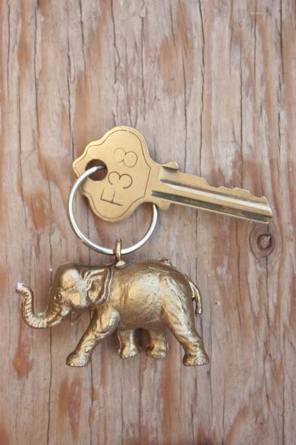Elephant-keychain-1