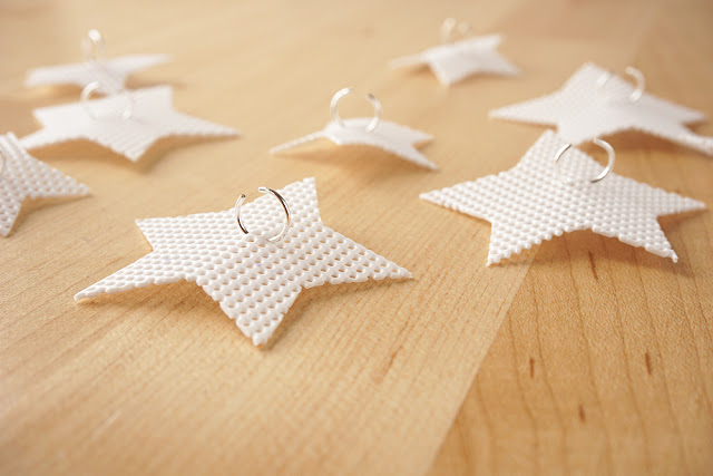Plastic-Canvas-Star-Lights10-1