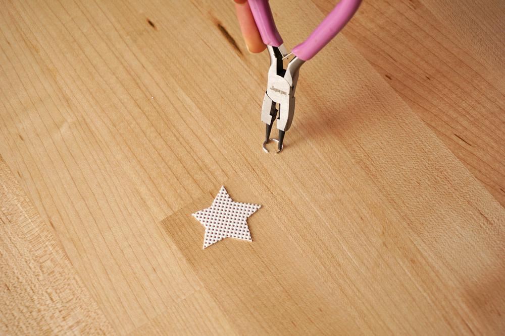 Plastic-Canvas-Star-Lights5